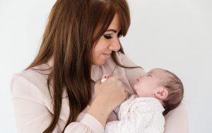 Beautiful newborn lifestyle photographs Kika Mitchell