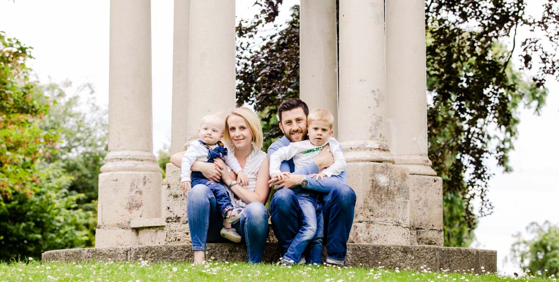 Admirals Park, Chelmsford, Family shoot, monument, photography
