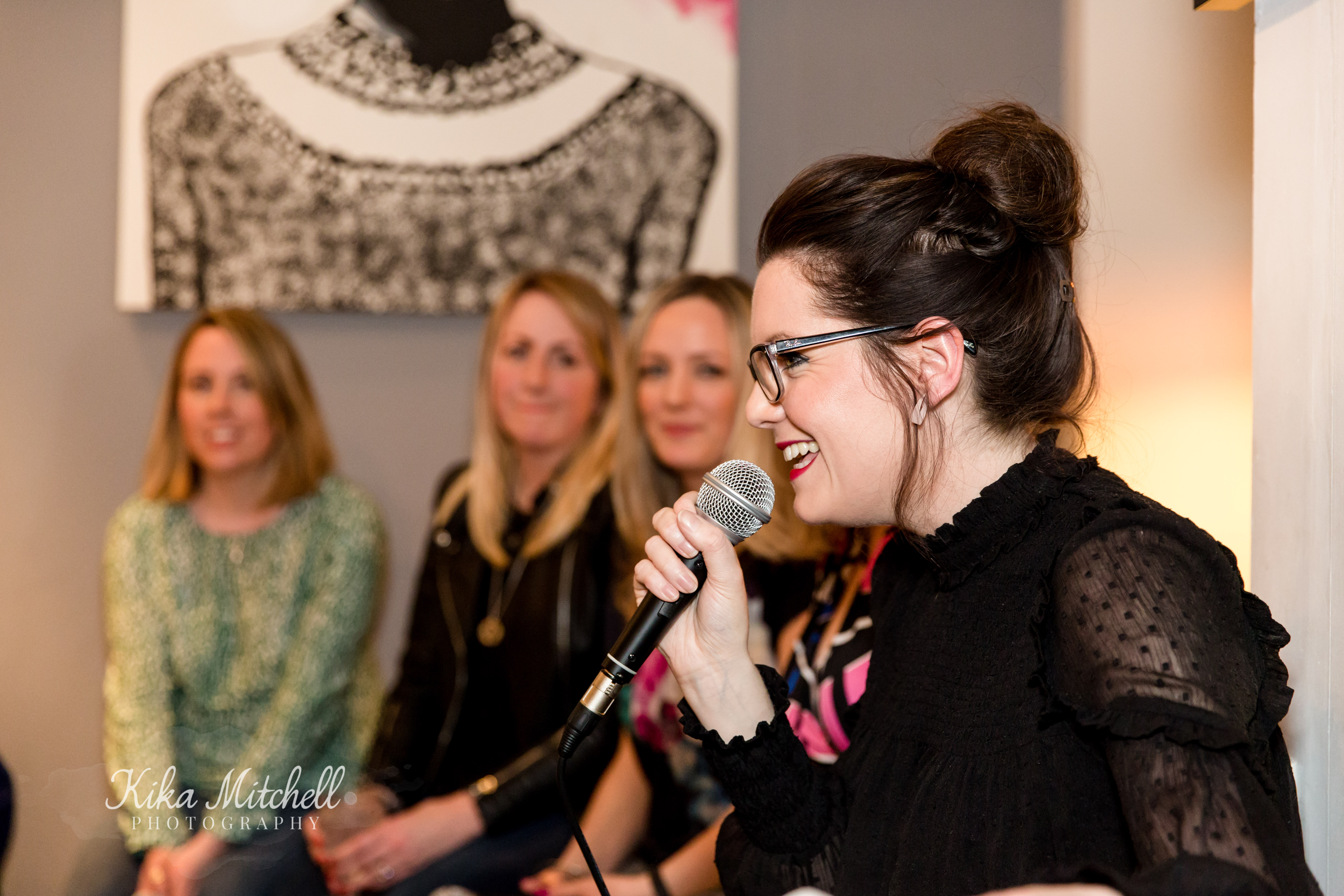 The Mother Hub Mingle panel Juliet Thomas by Kika Mitchell Photography