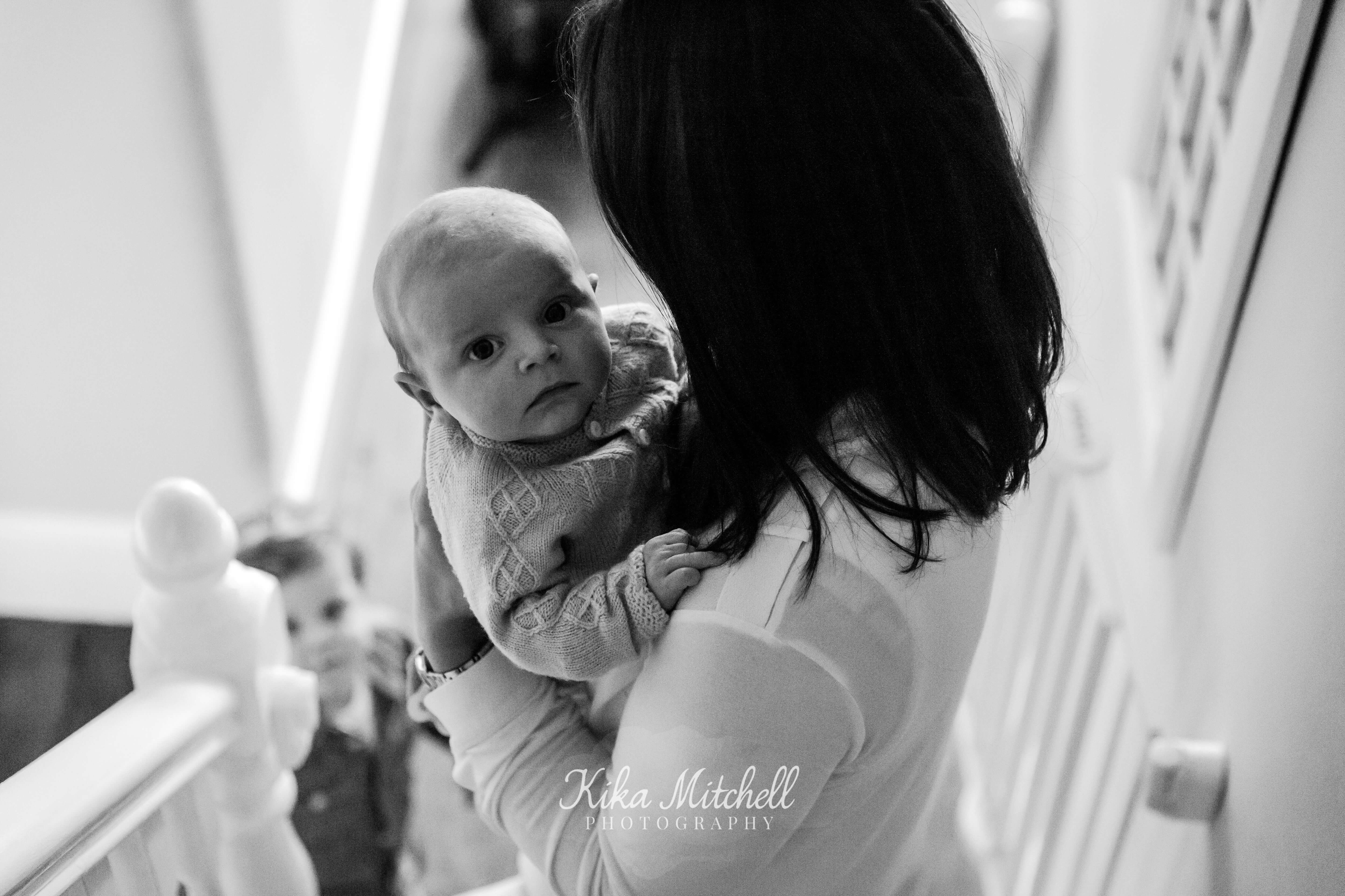LIFESTYLE FAMILY PORTRAITS BY CHELMSFORD PHOTOGRAPHER KIKA MITCHELL PHOTOGRAPHY