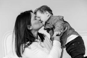 MONOCHROM PORTRAITS BY CHELMSFORD PHOTOGRAPHER KIKA MITCHELL PHOTOGRAPHY ESSEX