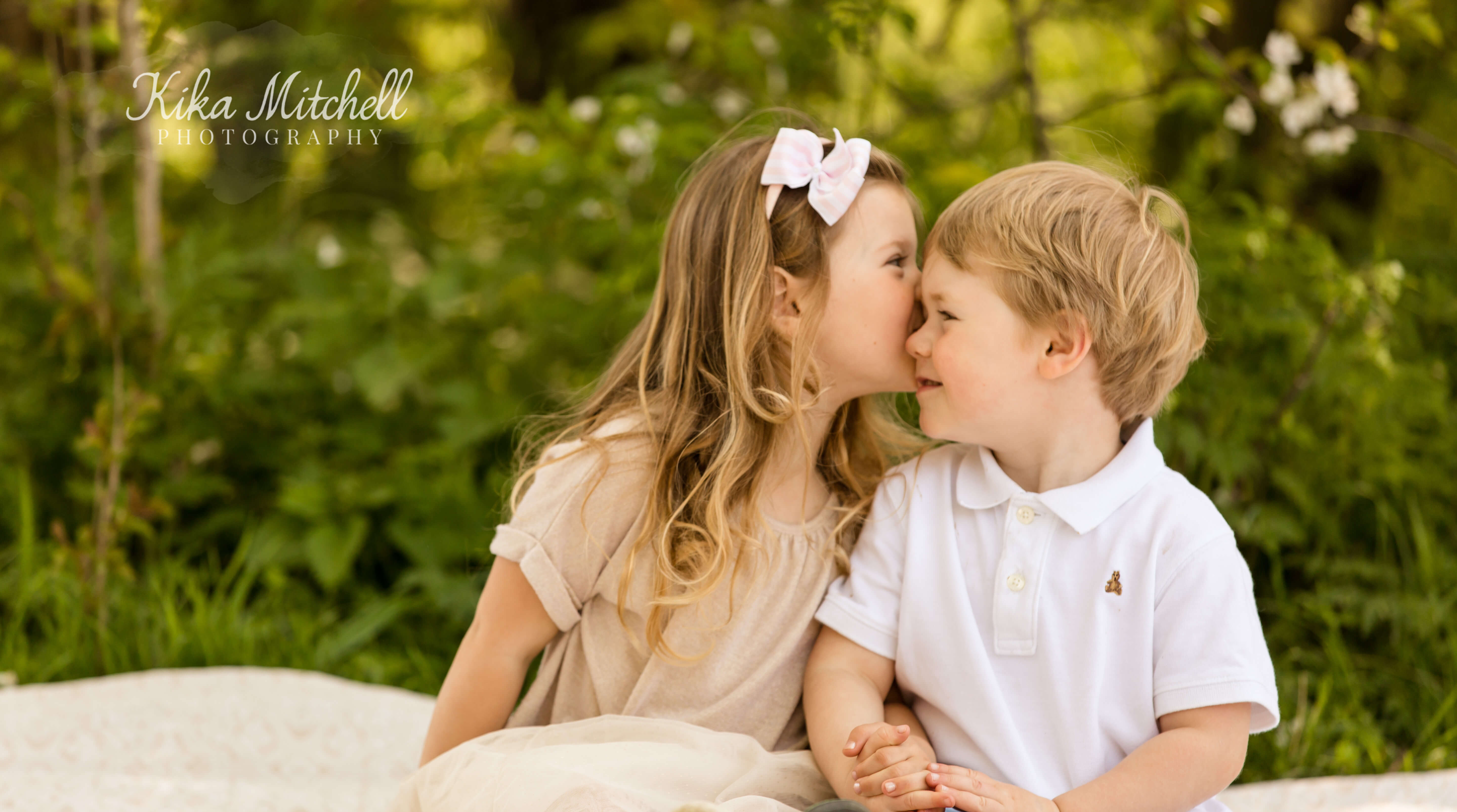Spring photoshoot by Chelmsford family photographer Kika Mitchell Photography